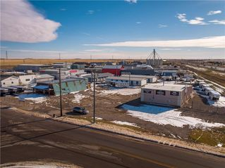 Photo 2: 221 43 Avenue E: Claresholm Industrial for sale : MLS®# C4274237