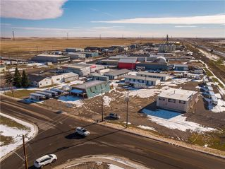Photo 3: 221 43 Avenue E: Claresholm Industrial for sale : MLS®# C4274237