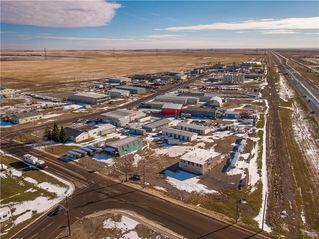 Photo 11: 221 43 Avenue E: Claresholm Industrial for sale : MLS®# C4274237
