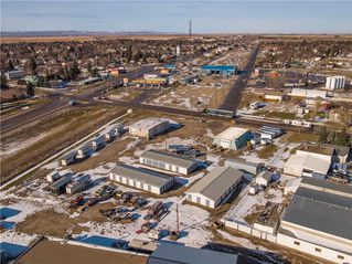 Photo 8: 221 43 Avenue E: Claresholm Industrial for sale : MLS®# C4274237