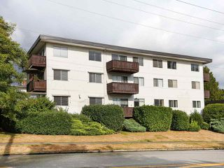 "Photo 1: 205 910 FIFTH Avenue in New Westminster: Uptown NW Condo for sale in ""Grosvenor Court"" : MLS®# R2426702"