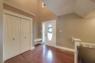 Photo 2: 8096 SHASKE Drive in Edmonton: Zone 14 House for sale : MLS®# E4187000