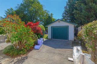 Photo 35: 2857 Rockwell Ave in : SW Gorge House for sale (Saanich West)  : MLS®# 845491