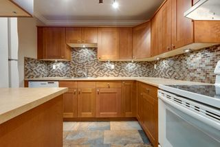 """Photo 3: 205 625 HAMILTON Street in New Westminster: Uptown NW Condo for sale in """"CASA DEL SOL"""" : MLS®# R2479563"""