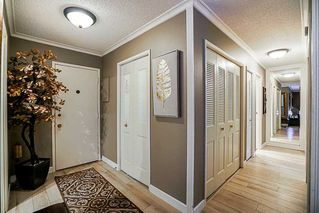 Photo 5: 307 1437 FOSTER STREET in South Surrey White Rock: White Rock Home for sale ()  : MLS®# R2247493