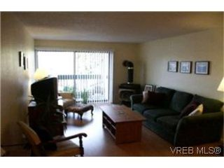 Photo 2:  in VICTORIA: Vi Fairfield East Condo for sale (Victoria)  : MLS®# 386948