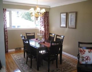 Photo 3: Beautiful Remodeled home!