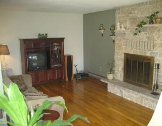 Photo 9: Beautiful Remodeled home!