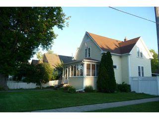 Photo 2: 162 Seven Oaks Avenue in WINNIPEG: West Kildonan / Garden City Residential for sale (North West Winnipeg)  : MLS®# 1213739