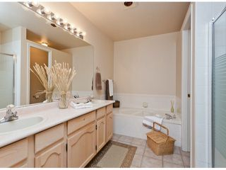 """Photo 7: 28 21138 88TH Avenue in Langley: Walnut Grove Townhouse for sale in """"SPENCER GREEN"""" : MLS®# F1318729"""