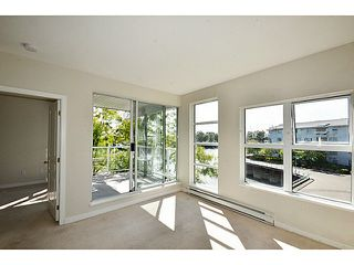 "Photo 5: 303 2020 E KENT Avenue in Vancouver: Fraserview VE Condo for sale in ""TUGBOAT LANDING"" (Vancouver East)  : MLS®# V1024161"