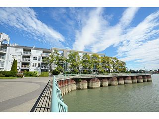 "Photo 1: 303 2020 E KENT Avenue in Vancouver: Fraserview VE Condo for sale in ""TUGBOAT LANDING"" (Vancouver East)  : MLS®# V1024161"