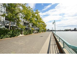 "Photo 18: 303 2020 E KENT Avenue in Vancouver: Fraserview VE Condo for sale in ""TUGBOAT LANDING"" (Vancouver East)  : MLS®# V1024161"