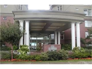 Photo 2: 405 165 Kimta Rd in VICTORIA: VW Songhees Condo Apartment for sale (Victoria West)  : MLS®# 332010