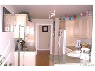 Photo 9: 405 165 Kimta Rd in VICTORIA: VW Songhees Condo Apartment for sale (Victoria West)  : MLS®# 332010