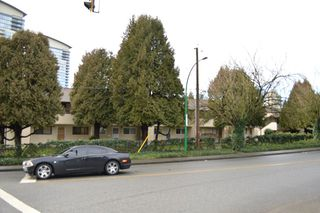 Photo 1: 5658 BROADWAY in Burnaby: Parkcrest Townhouse for sale (Burnaby North)  : MLS®# R2028626