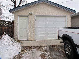 Photo 2: 121 Braintree Crescent in Winnipeg: St James Residential for sale (West Winnipeg)  : MLS®# 1605380