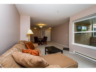 Photo 7: 107 1558 GRANT AVENUE in Port Coquitlam: Glenwood PQ Condo for sale : MLS®# R2051861