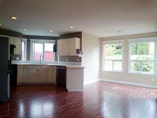 Photo 5: Coquitlam: Condo for sale : MLS®# R2058740