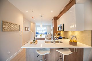 Photo 7: 20856 76 Avenue in Langley: Willoughby Heights Townhouse for sale