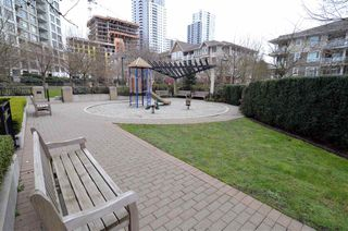 Photo 15: 1403 5380 OBEN STREET in Vancouver: Collingwood VE Condo for sale (Vancouver East)  : MLS®# R2149767