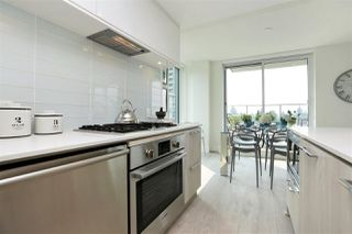 Photo 4: 405 680 SEYLYNN CRESCENT in North Vancouver: Lynnmour Condo for sale : MLS®# R2305800