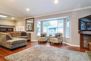 Photo 3: 20641 38A Avenue in Langley: Brookswood Langley House for sale : MLS®# R2331109
