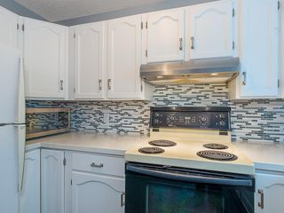 Photo 8: 98 COVENTRY Lane NE in Calgary: Coventry Hills Semi Detached for sale : MLS®# C4262894