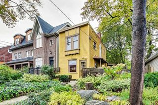 Photo 1: 25 Earl Grey Road in Toronto: Blake-Jones House (2-Storey) for sale (Toronto E01)  : MLS®# E4612632
