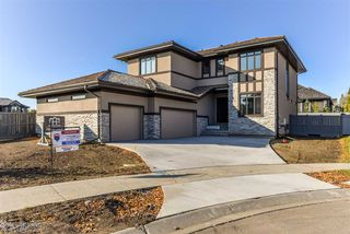 Photo 2: 1224 Decker Way NW in Edmonton: Zone 20 House for sale : MLS®# E4182946