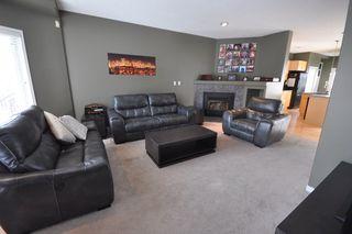 Photo 3: 9135 100B Avenue in Edmonton: Zone 13 House Half Duplex for sale : MLS®# E4185551