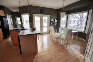 Photo 5: 9135 100B Avenue in Edmonton: Zone 13 House Half Duplex for sale : MLS®# E4185551