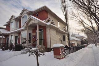 Photo 1: 9135 100B Avenue in Edmonton: Zone 13 House Half Duplex for sale : MLS®# E4185551