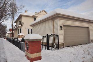 Photo 2: 9135 100B Avenue in Edmonton: Zone 13 House Half Duplex for sale : MLS®# E4185551