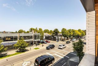 Photo 23: 204 1969 Oak Bay Ave in Victoria: Vi Fairfield East Condo for sale : MLS®# 843402