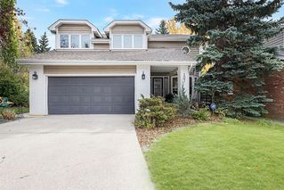 Photo 2: 107 Stravanan Bay SW in Calgary: Strathcona Park Detached for sale : MLS®# A1039236