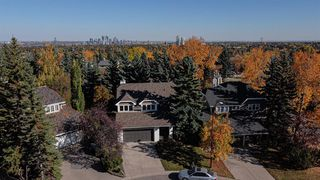 Photo 1: 107 Stravanan Bay SW in Calgary: Strathcona Park Detached for sale : MLS®# A1039236