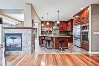 Photo 7: 2735 77 Street SW in Calgary: Springbank Hill Detached for sale : MLS®# A1053304