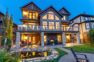 Photo 2: 2735 77 Street SW in Calgary: Springbank Hill Detached for sale : MLS®# A1053304