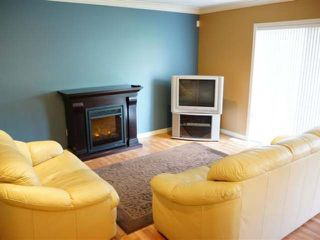 Photo 3: 1945 GRASSLANDS BLVD in Kamloops: Batchelor Heights Residential Attached for sale : MLS®# 109939