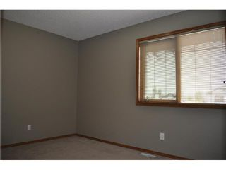 Photo 11: 224 FAIRWAYS Bay NW: Airdrie Residential Detached Single Family for sale : MLS®# C3536696