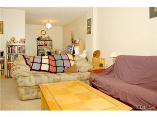 Photo 3: 104 350 Belmont Rd in VICTORIA: Co Colwood Corners Condo Apartment for sale (Colwood)  : MLS®# 499266