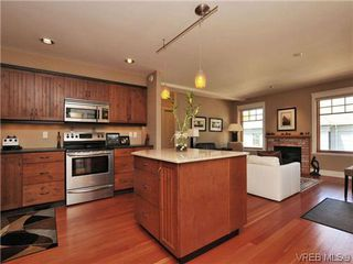Photo 10: 631 Avalon Rd in VICTORIA: Vi James Bay Half Duplex for sale (Victoria)  : MLS®# 640799