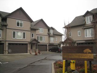 Photo 1: 8 8491 Piper Crescent in Chilliwack: Townhouse for sale : MLS®# H1400358