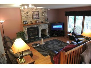 Photo 2: : Residential for sale : MLS®# 1311200