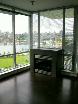 "Photo 3: 907 638 BEACH CR in Vancouver: False Creek North Condo for sale in ""ICON"" (Vancouver West)  : MLS®# V608921"