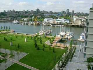 "Photo 2: 907 638 BEACH CR in Vancouver: False Creek North Condo for sale in ""ICON"" (Vancouver West)  : MLS®# V608921"