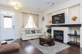Photo 2: 18 Allincite Road in Winnipeg: West Kildonan / Garden City Single Family Attached for sale (North West Winnipeg)  : MLS®# 1601285