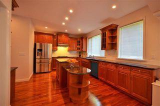 Photo 11: Coquitlam: Condo for sale : MLS®# R2066357
