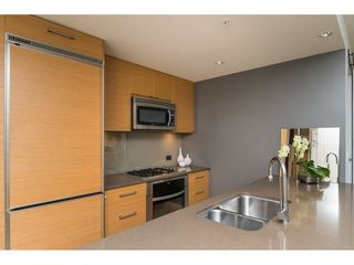Photo 10: 303 15152 RUSSELL AVENUE: White Rock Condo for sale (South Surrey White Rock)  : MLS®# R2134958